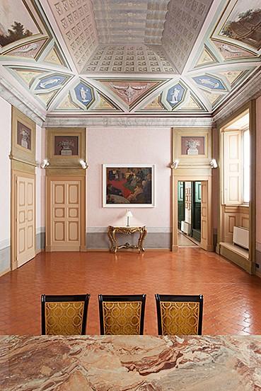 http://www.raccoltalamberti.com/files/gimgs/th-20_mauro_corinti_newroom2.jpg